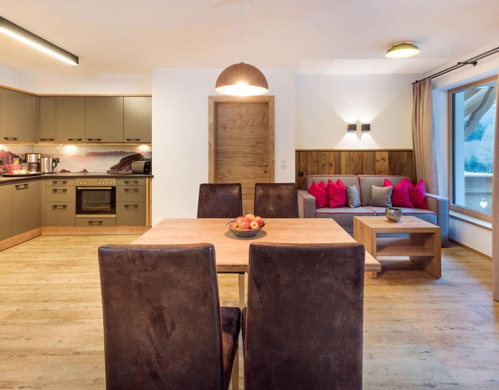 Ferienwohnung stoanmandl - Neustift im Stubaital - Wohnzimmer Überblick