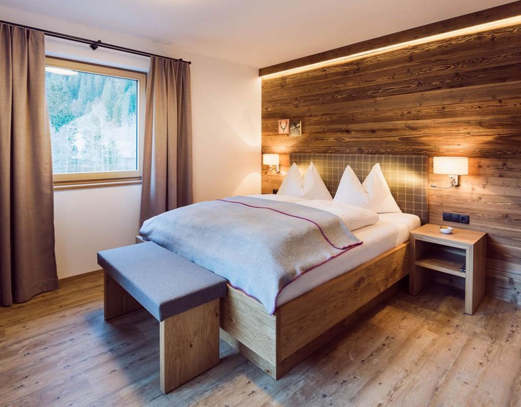 Ferienwohnung stoanmandl - Neustift im Stubaital - Schlafzimmer - Doppelbett
